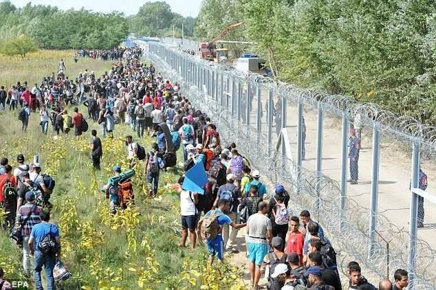 austria border fence migrants refugees