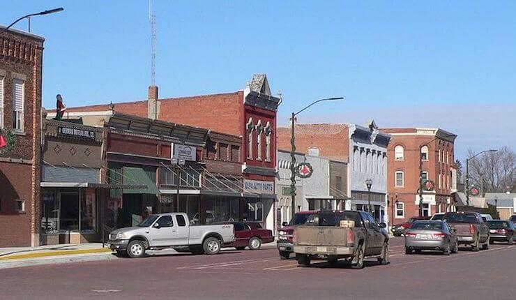Small White Nebraska Town To Ban Illegal Mexicans From Jobs and Housing