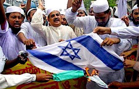 Merkel Floods Germany with Arab Antisemites then Lectures Germans on Antisemitism